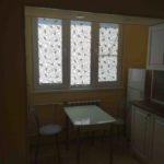 кухня закрыта рулонными шторами