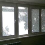 Солнечное окно тень от дерева рулонная штора Владикавказ.