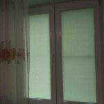 Рулонные шторы во Владикавказе спальня на южной стороне перламутровые.